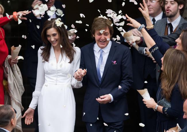 Ето как са изглеждали звездите на сватбения им ден