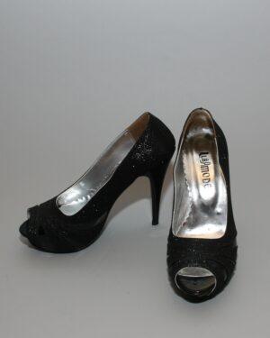 Официални дамски обувки прорязани
