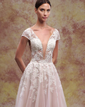 Сватбена рокля Мартина Hadassa