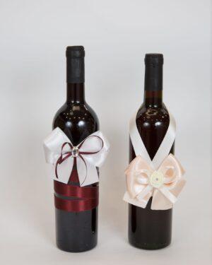 Сватбена бутилка с украса от сатен