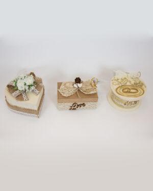 Кутийка за сватбени халки с декорация