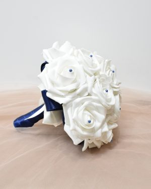 Булчински букет Бели рози
