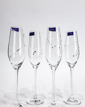 Кристални сватбени чаши с камъчета