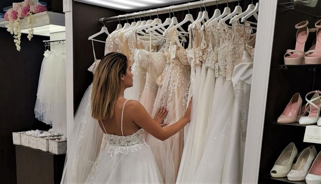 Изборът на булчинска рокля   Сватбен видео помощник